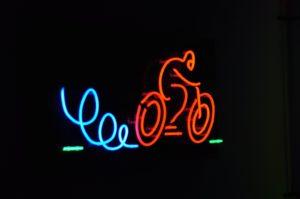 Piknik Naukowy - neony