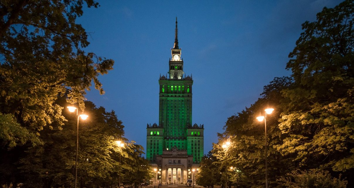 Pałac Kultury i Nauki oświetlony na zielono z okazji Światowego Dnia Środowiska, fot. Piotr Dymus, Centrum UNEP GRID Warszawa