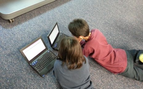 Dzieci, komputer