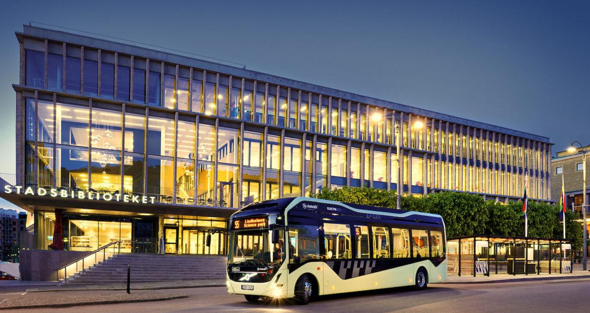 Elektryczne autobusy Volvo jako mobilne biblioteki w mieście Göteborg